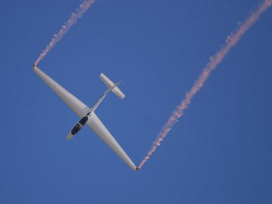 OE-5666 MDM-1 Fox - doppelsitziges Segelkunstflugzeug meines Kunstflugvereines,bestes doppelsitziges Segelkunstflugzeug ever, neben der LS4 mein 2. Lieblingsflugzeug, mit dem ich meine Kunstflugausbildung gemacht habe und heute selbst Kunstflug schule.