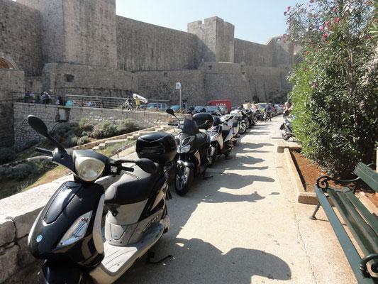 Das Parkproblem in Dubrovnik führt zu originellen Lösungen