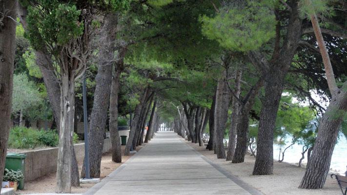 Strandpromenade von Bol zum Goldenen Horn