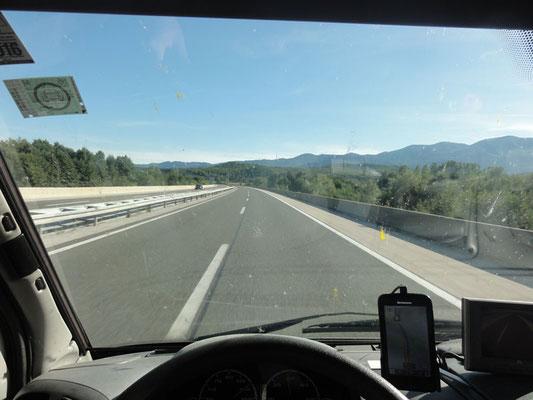 Typisches Bild - wenig los auf der Autobahn