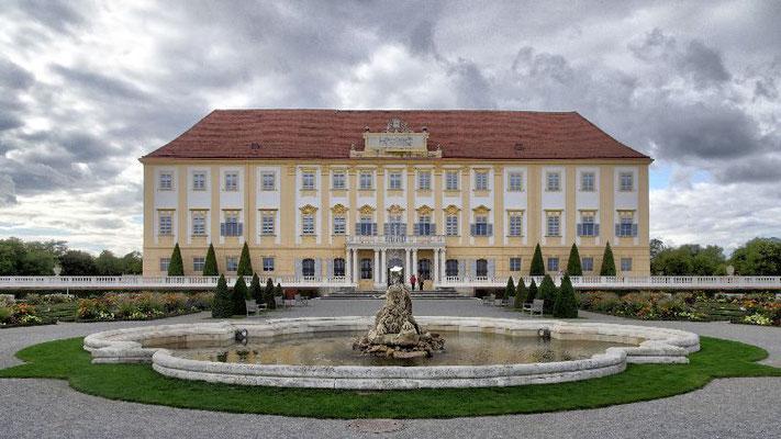 Schloss Hof, Gartenseite