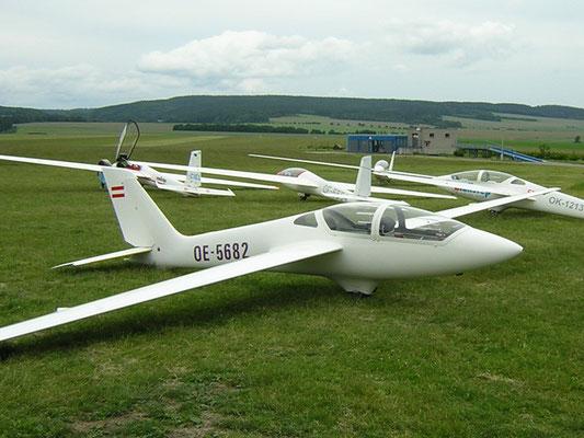 OE-5682 MDM-1 Fox - doppelsitziges Segelkunstflugzeug von meinen Freunden aus Innsbruck, heute leider verkauft.