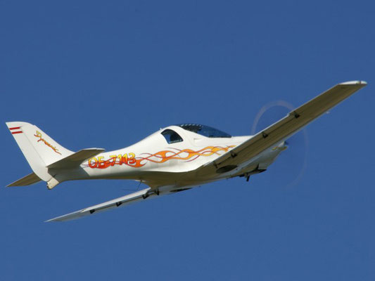 OE-7113 WT9 Dynamic - Ultraleichtflugzeug von meinen Freunden aus Schärding, wie Mopedfahren, geht wie die Sau.