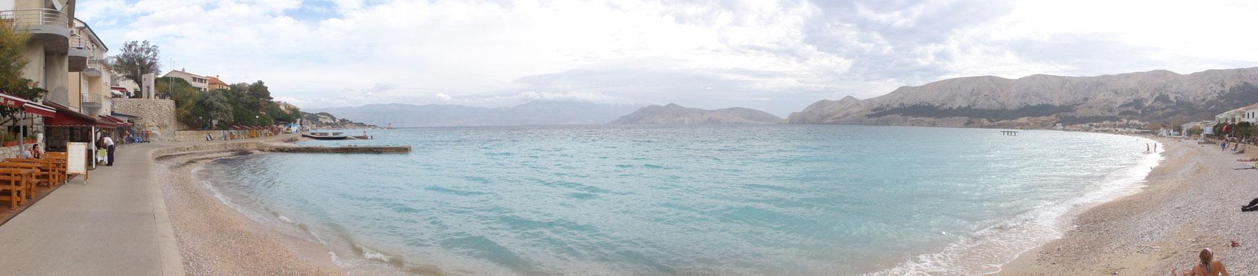 Panorama vom Strand in Baska