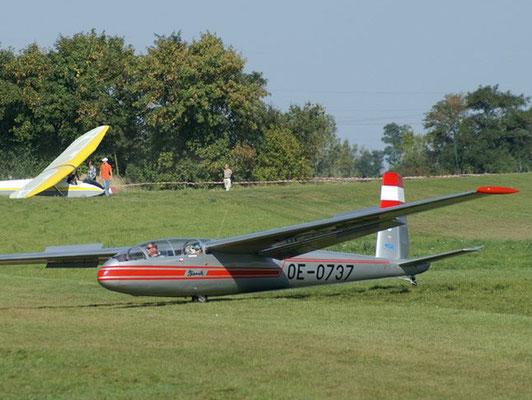 OE-0737 LET Blanik L-13 - Schulflugzeug meiner Freunde aus Aigen im Ennstal, mit dem ich meinen ersten und bisher einzigen Windenstart gemacht habe, heute im RedBull-Blanix-Team.