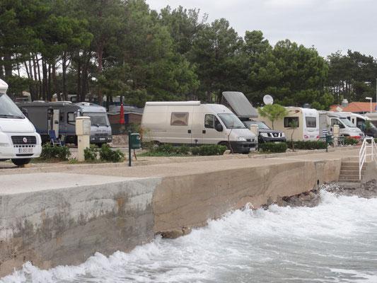 Campingplatz Jezevac bei Krk, lässiger Platz direkt am Meer