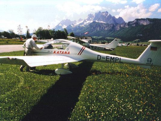 D-EMPL Diamond DA-20 Katana - Schul- und Reiseflugzeug meines Heimatvereines in Stockerau, made in Austria, war aber früher in Deutschland stationiert, ist von uns nach Österreich eingebürgert worden und heißt heute OE-COO.
