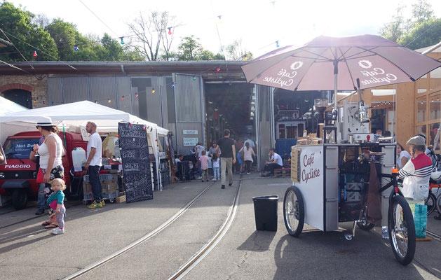 Food & Farmers' Market beim Tram-Museum Burgwies