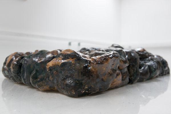 Bodysquare (2018), ceramics, glaze, 130x88x31cm