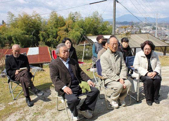 参加して頂いた方々 前列右から 甥の安江さん奥様 甥の安江さん