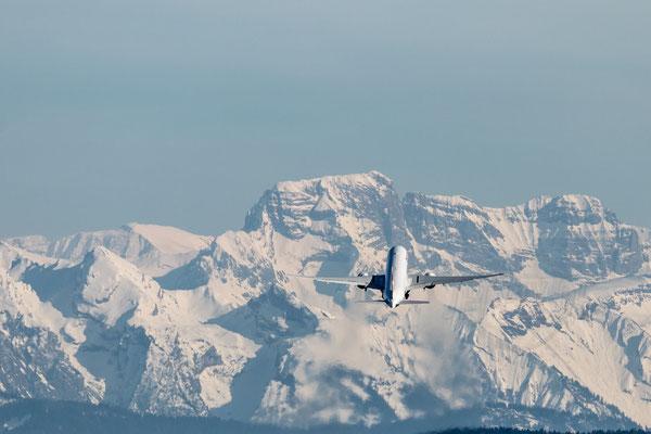 Was ein Alpenpanorama in Zürich. Toll wie der Flieger an Höhe gewinnt