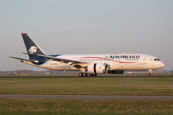 Eine Aeromexico Maschine ist gerne gesehen. Hier ein Dreamliner mit mexikanischer Registrierung
