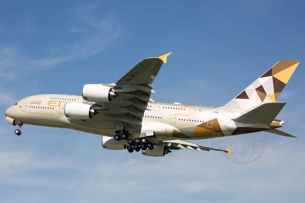 Die Lackierung der Etihad A380 sucht ihres Gleichen. Der Flieger sieht so sehr edel aus und war einer der Hauptgründe des Besuchs in Finkenwerder
