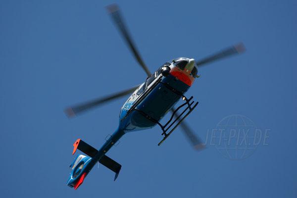 Auch die Polizei ließ sich an diesem Tag in Form eines Hubschraubers blicken. Hier war alles im Griff.