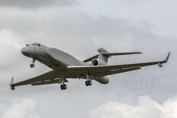 Die Italiener führen ihr neustes Überwachungsflugzeug vor. Vorher wurde dieses Flugzeug bei der Israelischen Luftwaffe genutzt.
