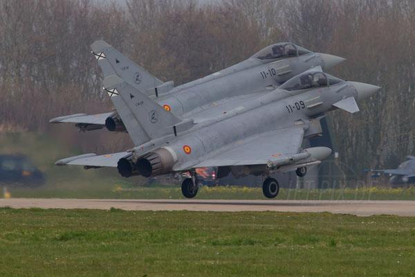 Doppellandung spanischer Eurofighter in Leeuwarden
