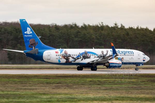 "TC-SNN SunExpress Boeing 737-8HC ""PlayStation"" 2017 12 23 EDDF Frankfurt"