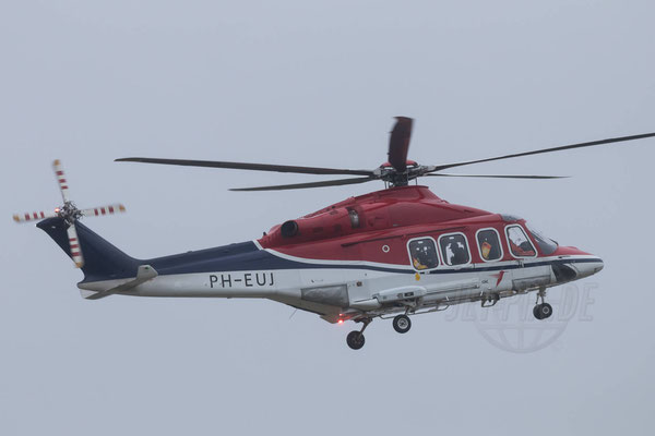 Der Kontakt mit den Bohrinseln wird durch Hubschrauber gesichert.