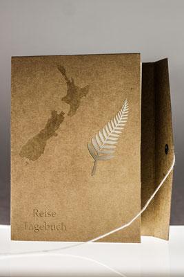 Landkarte von Neuseeland und Text sind graviert