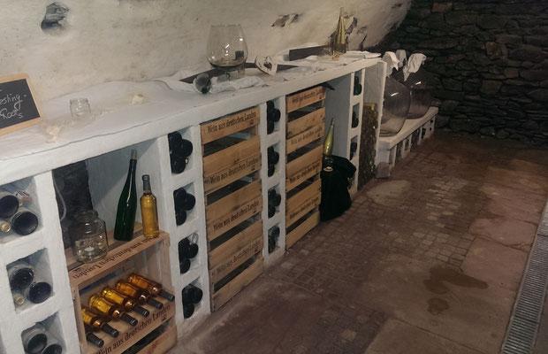 Weinprobe: weiter geht's im Gewölbekeller
