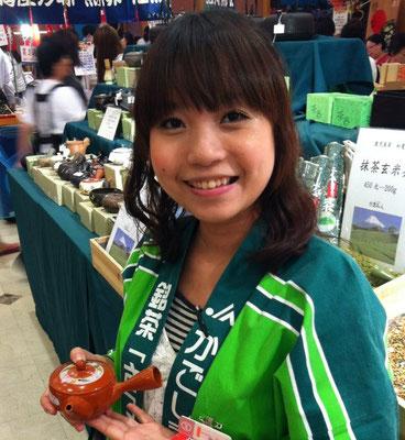 2012年 台湾SOGO マルオオ製茶おおいし様 通訳販売