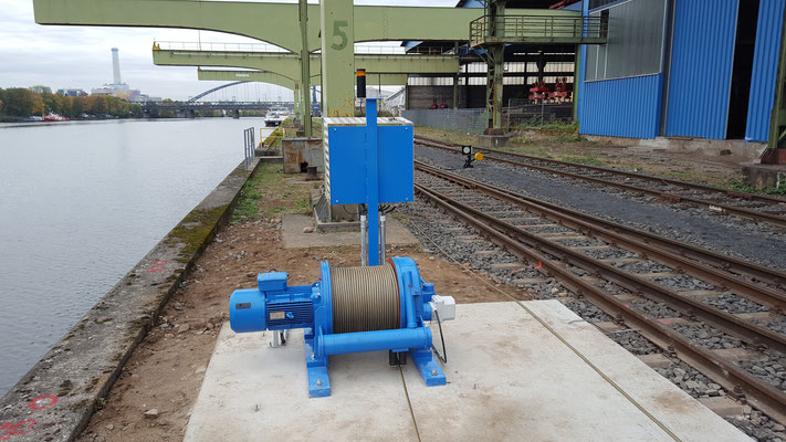 Shunting winches, stationary