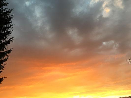 Wunderschöne Abendstimmung nach dem Sonnenuntergang.
