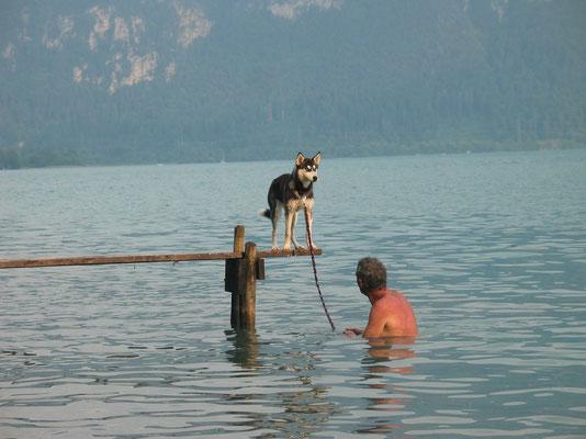 Beim Planschen und Schwimmen das kühle Nass geniessen