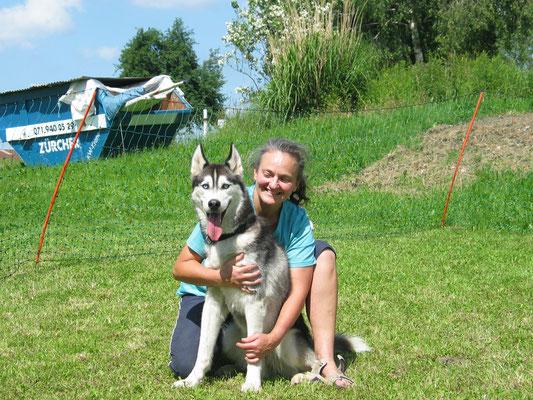 Nach der bestandenen Hundetrainerausbildung, wo Amarok und Frauchen ein Team waren.