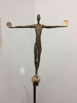 Finanzausgleich - Bronzeskulptur von Ines Mösle