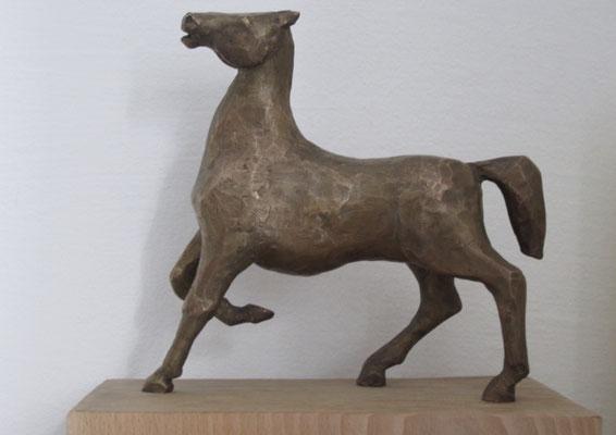 Cavallo - Bronzeskulptur von Ines Mösle