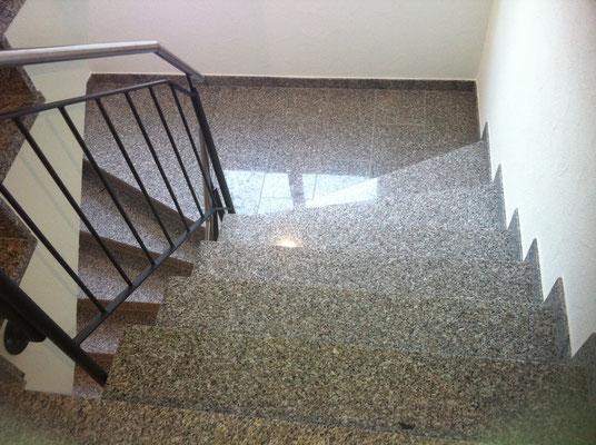 Treppe mit Granit Zermatt