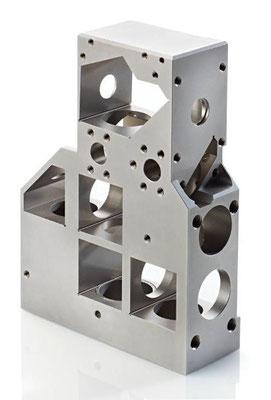 Usinage de précision invar par fraisage 5 axes, électroerosion, trempe et rectification