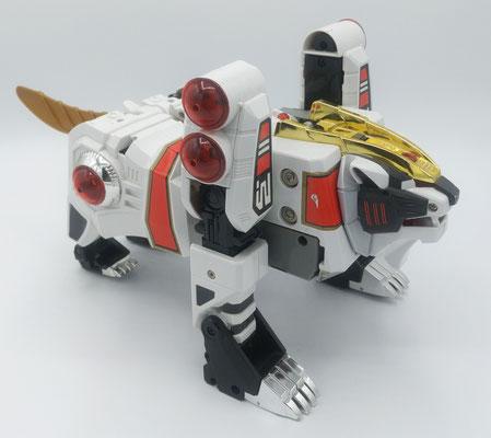 White Tigerzord / Mythical Chi Beast Won Tiger