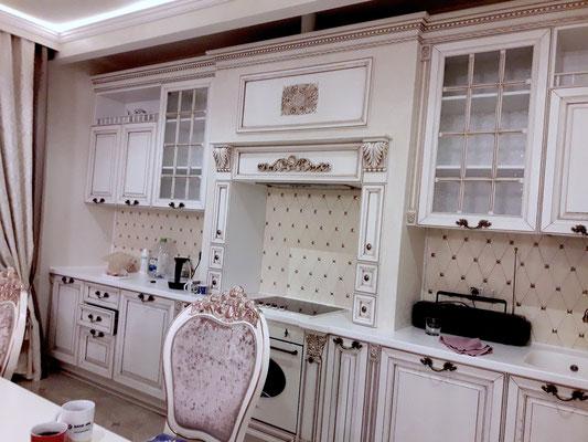 красивый классический портал кухни