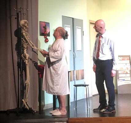 ein Patient und Dr. Leo Leu