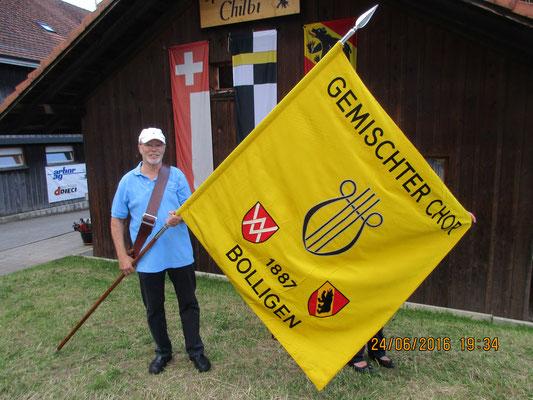 Die Fahne des Gemischten Chor Bolligen in ihrem letzten Einsatz