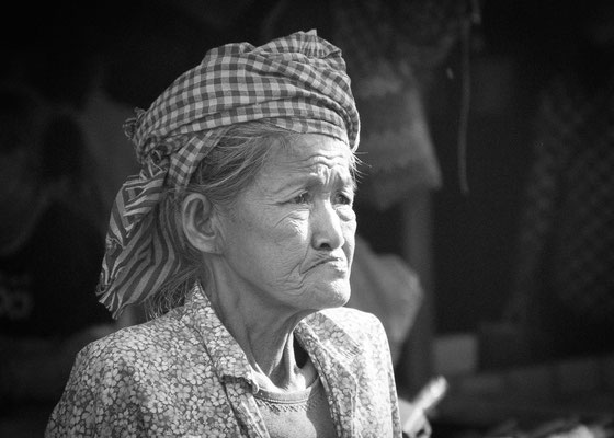 Anke Houdelet: Marktfrau / Laos