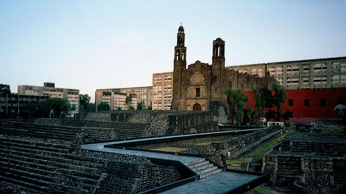 Platz der drei Kulturen - México City