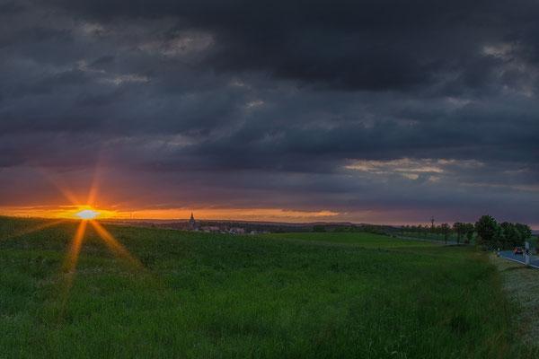 Sonnenuntergang über Landau (Ortsteil Bad Arolsen)