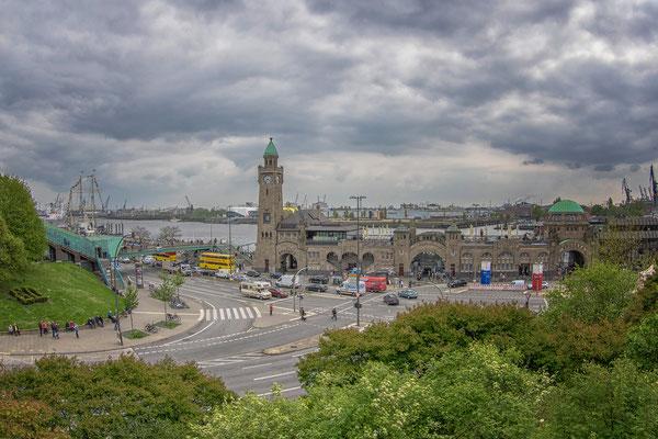 03.05.2017 - Blick auf die Landungsbrücken