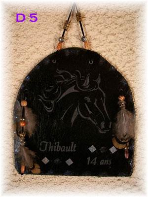 D5       Tête de cheval gravure Anniversaire et prénom