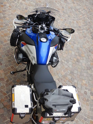 The ride. BMW R1250GS Adventure, model 2019. Handles everything. Grande. In love with.