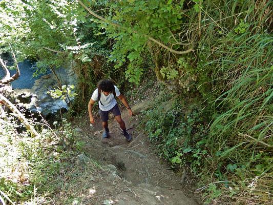 Il sentiero per le Cascate del Volturno