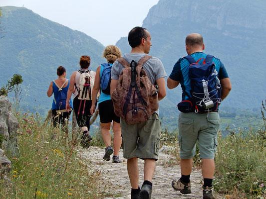 Sui sentieri di  Sacco Veccchio. Sul Monte Motola che raggiunge i 1700 metri s.l.m.