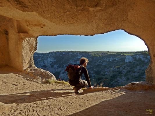 L'agglomerato di grotte si affaccia a strapiombo sul torrente Gravina di Matera 😍