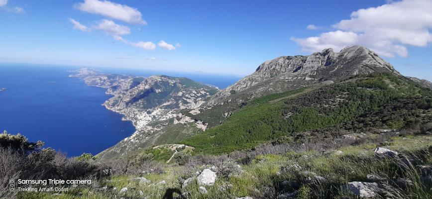 Vista sui Monti Lattari e su tutto il promontorio della penisola sorrentina