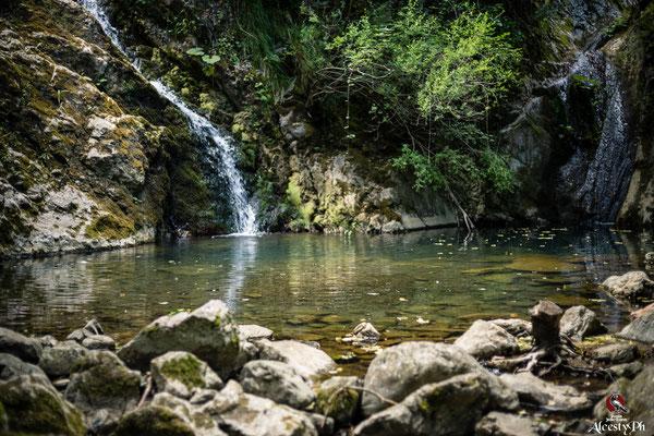 Le Gemelle. chiamate così poiché è il punto di incontro di due cascate, originate rispettivamente dal torrente Acquafredda e dal Torrente Bradano, che confondono le proprie acque in un laghetto