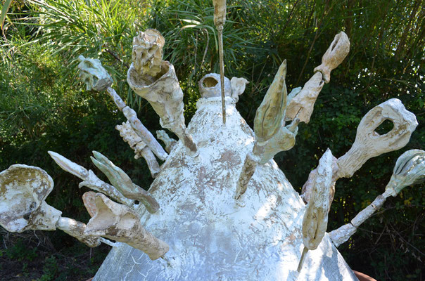 Rosa Roedelius - Der Tortentraum / Aluminium, Keramik / 2010