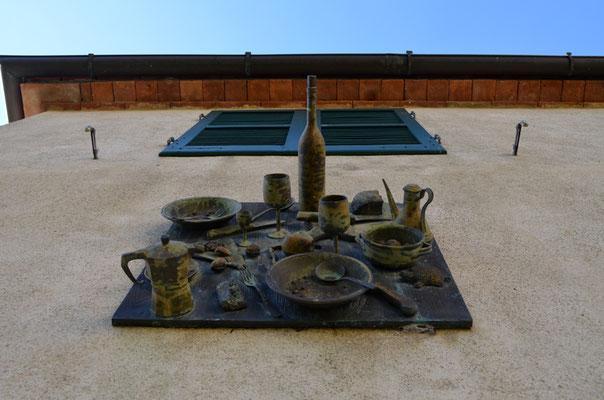 Daniel Spoerri - Mittagstisch in alle Ewigkeit / Fallenbild in Bronze / 1994